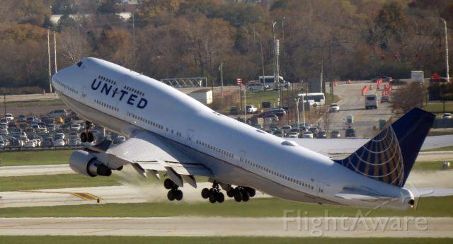 Boeing 747-200 (N194UA) - B7474