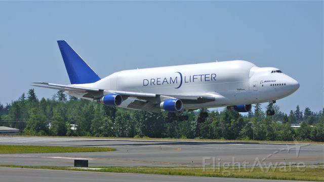 Boeing 747-400 (N718BA) - GTI4351 from KCHS on final approach to runway 34L on 7/25/12.