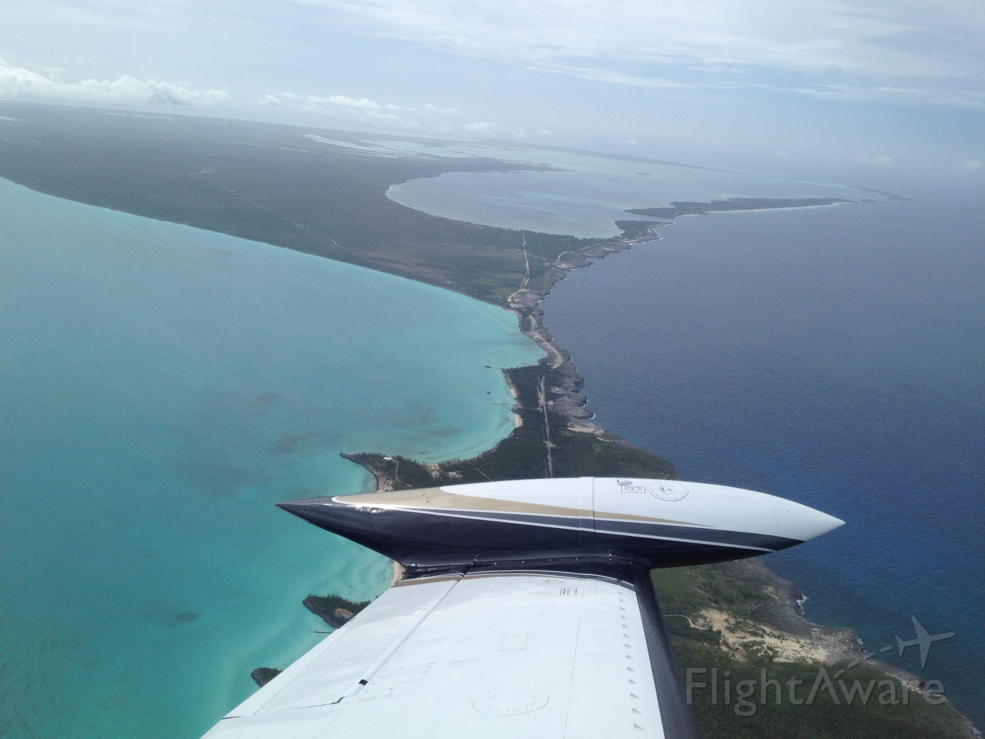 Cessna 340 (N200GC) - In route to Governors Harbor (MYEM) flying over the Glass Bridge on Eleuthera Island that Separates the Caribbean from the Atlantic