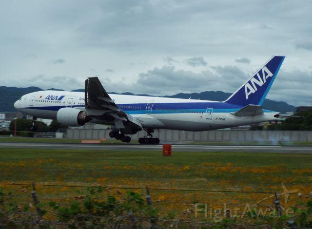 Boeing 777-200 (JA705A)