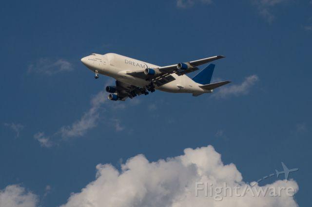 Boeing 747-200 (N7188A) - Boeing 747 Dreamlifter @ KCSH