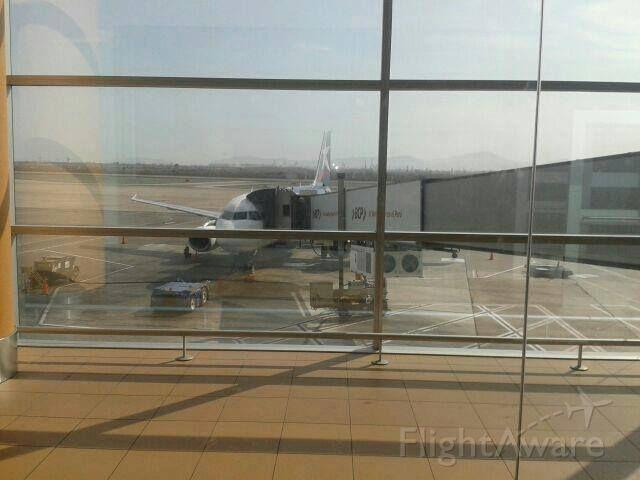 — — - Antes de abordar el avion en el Aeropuerto Intl Jorge Chavez LIM / SPJC