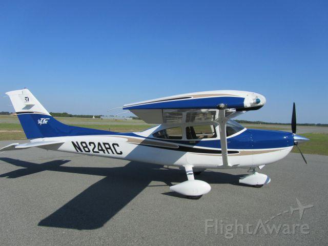 Cessna Skylane (N824RC)
