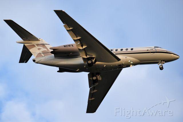 Hawker Beechcraft 4000 (N21FX)