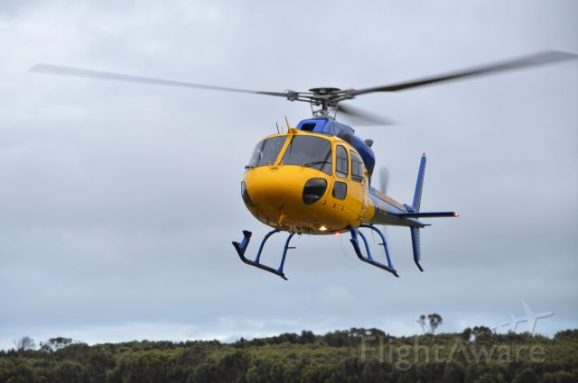 HELIBRAS VH-55 Esquilo (VH-YUR) - VH-YUR landing at Flinders Island for fuel, Dec 2018