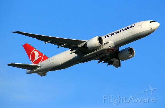 BOEING 777-200LR (TC-LJO)