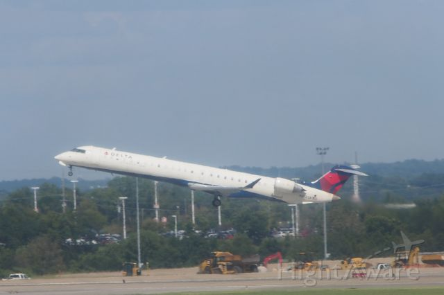 Canadair Regional Jet CRJ-200 (N813SK)