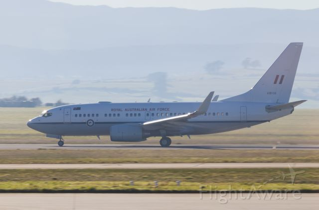 A36001 — - Royal Australian Air Force BBJ taking off to Sydney.
