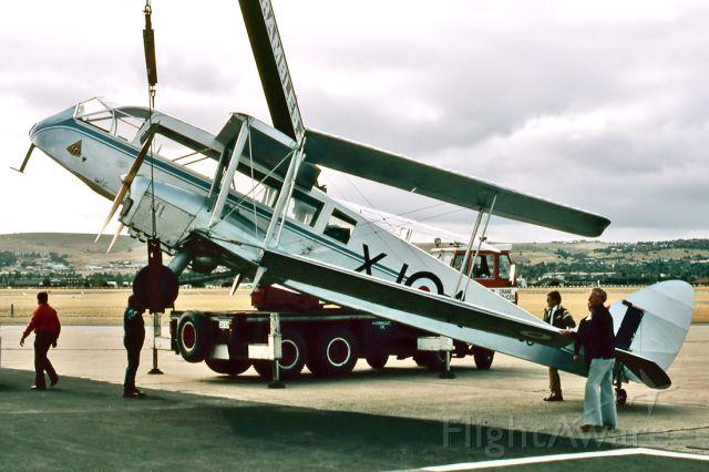 De Havilland Canada Twin Otter (VH-AQU) - DE HAVILLAND DH-84 DRAGON - REG : VH-AQU (CN DHA2048) - PARAFIELD AIRPORT ADELAIDE SA. AUSTRALIA - YPPF 17/10/1982