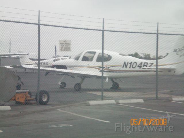 Cirrus SR-22 (N104BZ)