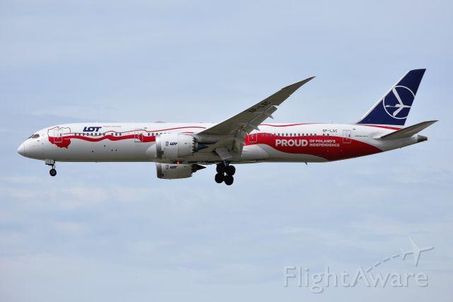 Boeing 787-9 Dreamliner (SP-LSC) - 28-C On 04-22-19