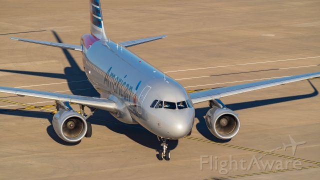 Airbus A319 (N9018E) - 11/17/18