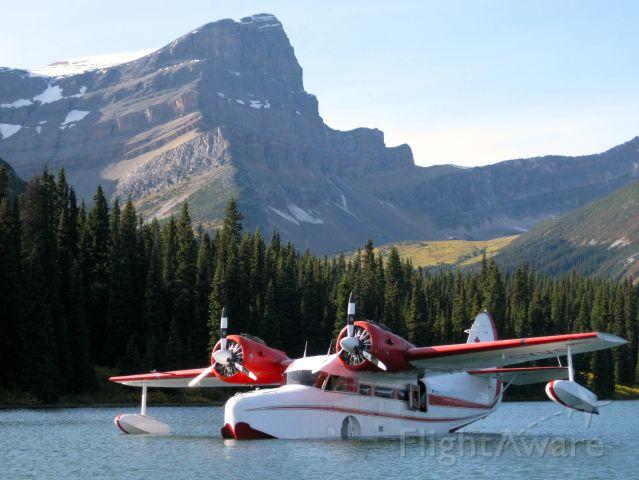 Grumman Goose (C-GYVG) - Goose C-GYVG BC Rockies Sept 2008