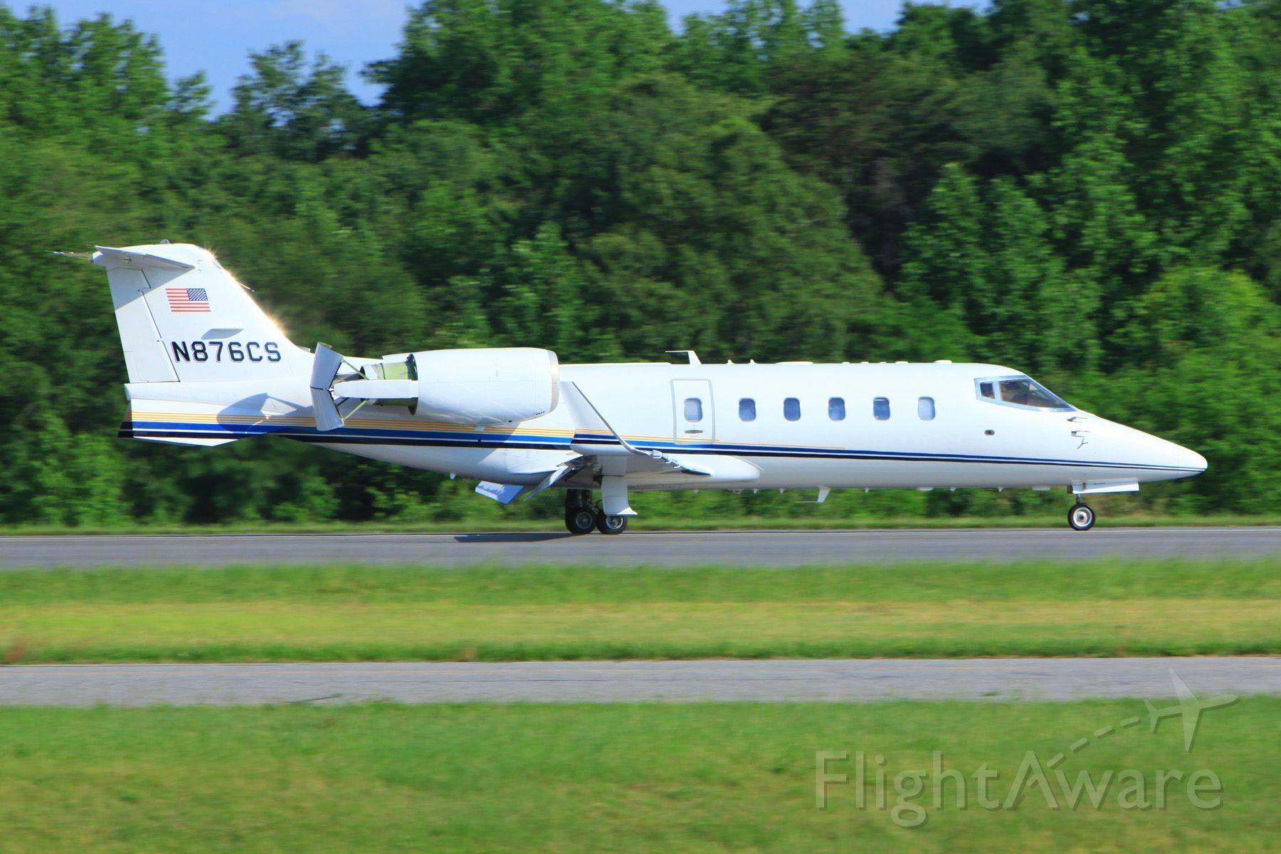 Learjet 60 (N876CS)