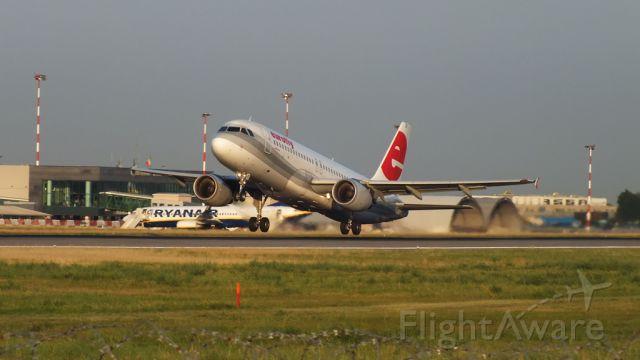 Airbus A320 (I-EEZI)