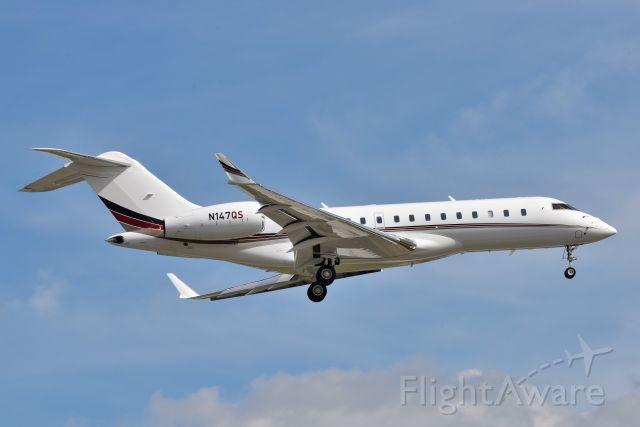 Bombardier Global Express (N147QS) - Short Final 23-L on 05-14-21