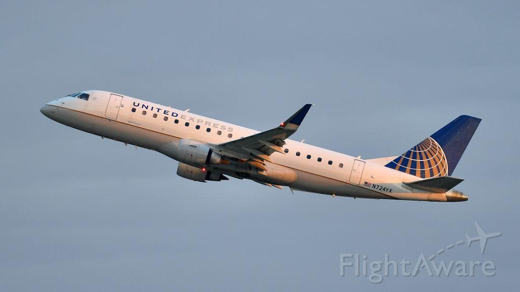 Embraer 175 (N724YX) - Republic Airways (United Express) Embraer ERJ-175 (N724YX) departs KRDU Rwy 23R on 06/02/2020 at 6:10 am.