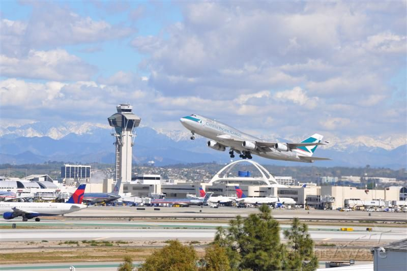 — — - Cathay Pacific Cargo 747 takes off at LAX