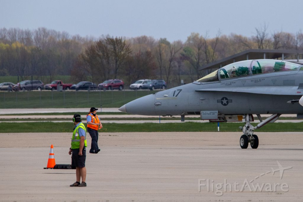 16-4656 — - F/A-18D Legacy Hornet departing KGRR