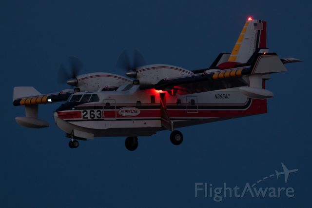 Canadair CL-415 SuperScooper (N385AC) - Returning back at Medford after fighting the Fir Mountain Fire near Hood River.