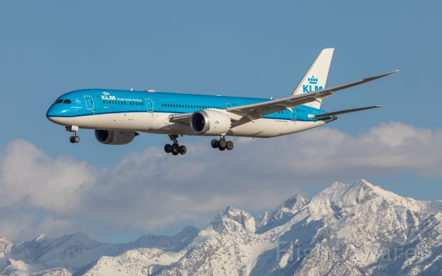 Boeing 787-9 Dreamliner (PH-BHF) - Nice to see KLM back in Salt Lake with the 787-900.