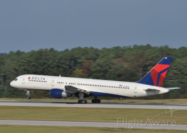 Boeing 757-200 (N630DL) - Taking Off Rwy 23R