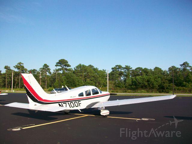 Piper Cherokee (N7100F)