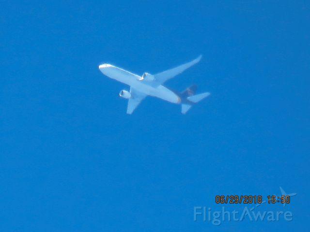 BOEING 767-300 (N304UP)