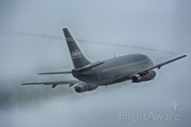 Boeing 737-200 (MBK790)