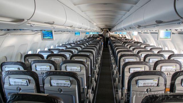Airbus A320 (HB-IJE) - An empty flight to Zurich