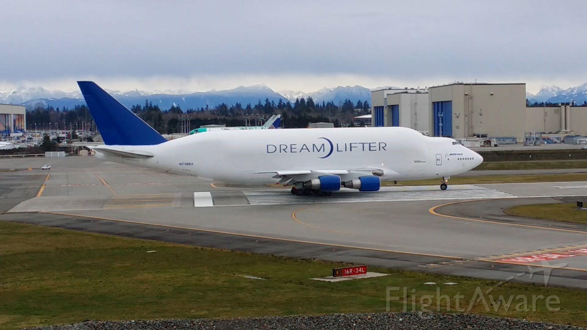 Boeing 747-200 (N718BA) - Ready to roll!
