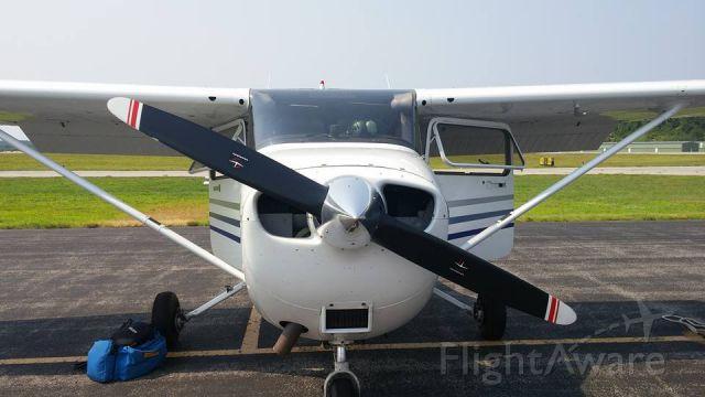 Cessna Skyhawk (N53468) - On the ramp at KSFM