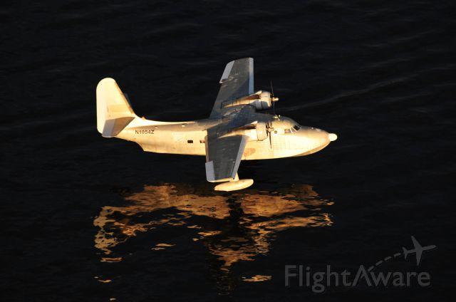 Grumman HU-16 Albatross (N1954Z) - Air-to-air over Lake Conroe