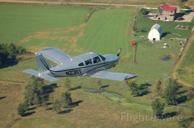 Piper Cherokee Arrow (N2311T)