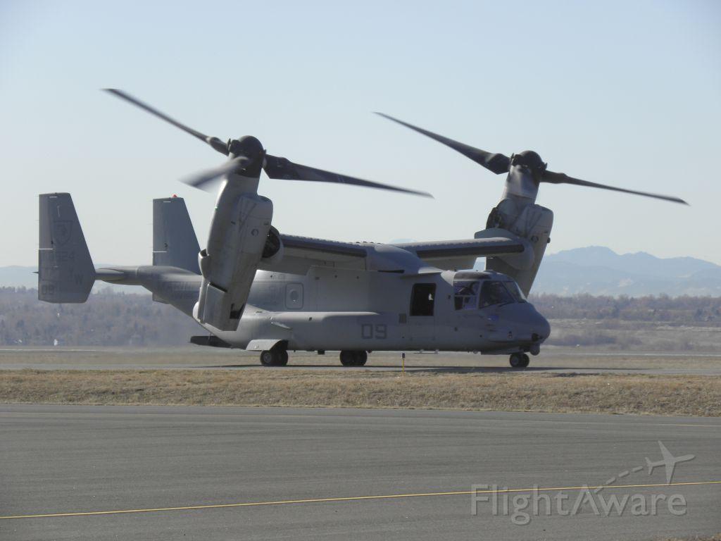 — — - Osprey at KBJC