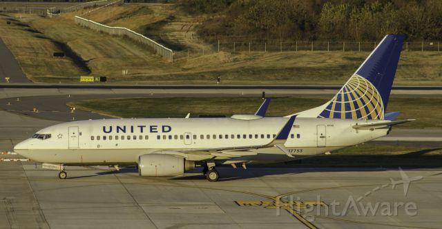 Boeing 737-700 (N17753)