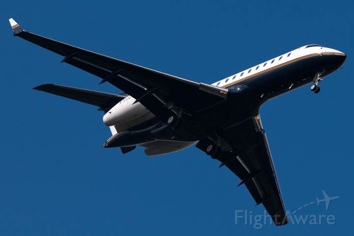 — — - 12/9/12:  Global Express N900GX on short final approach over Miami Lakes enroute to runway 9L at Opa-locka Executive Airport, Florida after a nonstop flight from London-Luton.