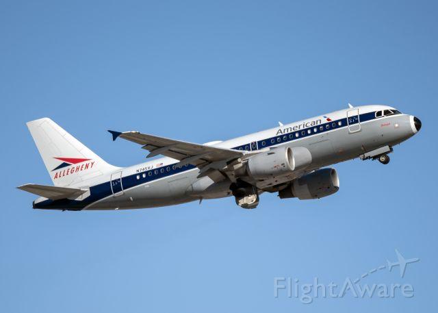 Airbus A319 (N745VJ)