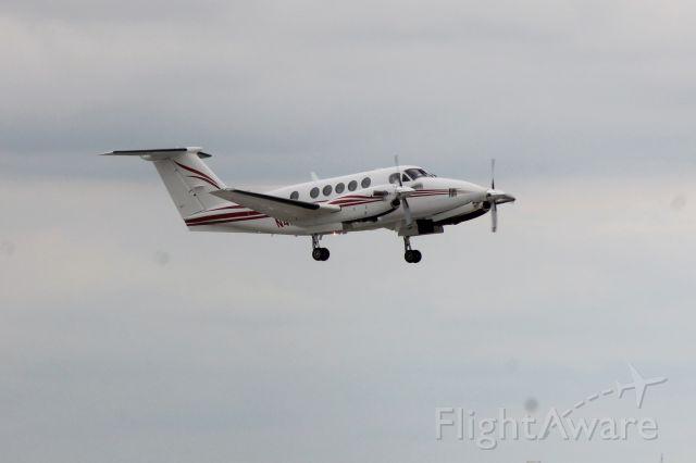 Beechcraft Super King Air 200 (N4NU)