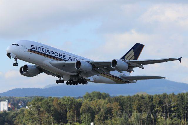 Airbus A380-800 (9V-SKA)