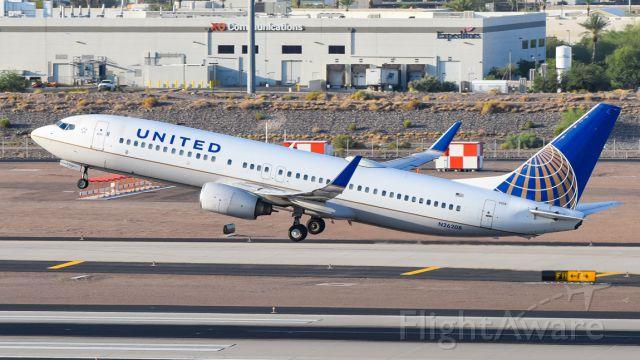 Boeing 737-800 (N26208)