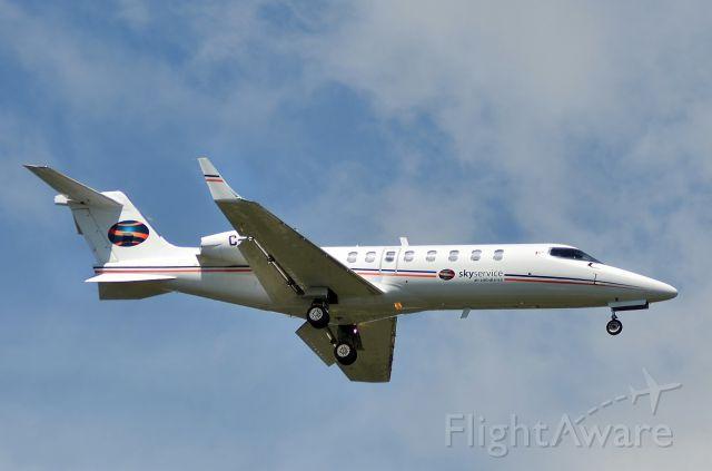 Learjet 45 (C-GEJD) - Skyservice Air Ambulance