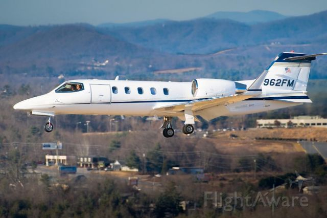 Learjet 31 (N962FM) - 18_Jan_2010