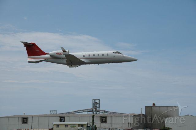 Learjet 60 (N810Y)