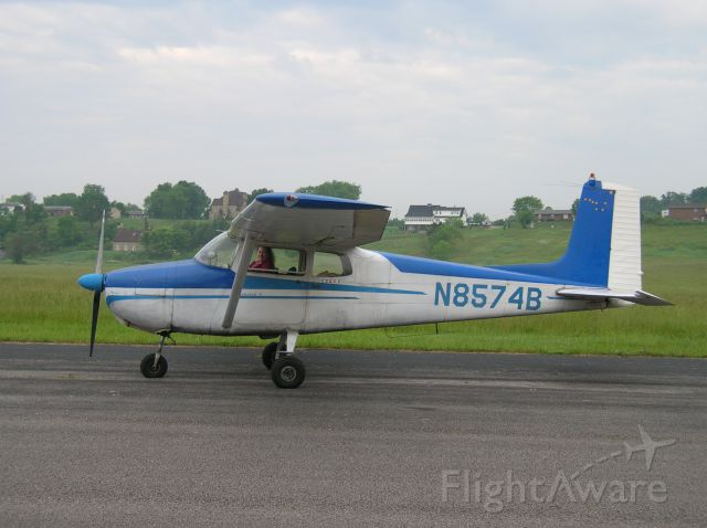 Cessna Skyhawk (N8574B) - 1958 Cessna 172A