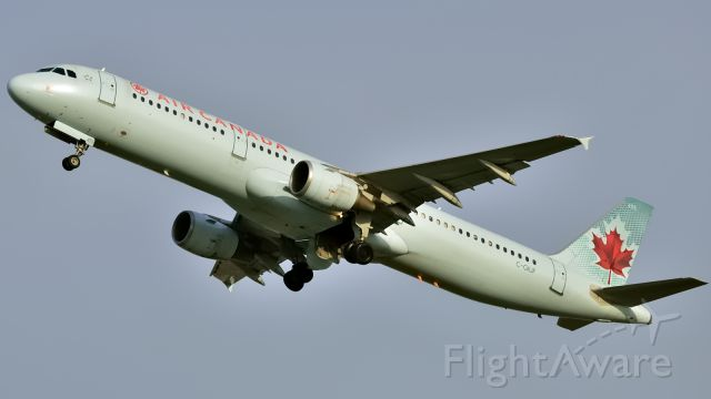 Airbus A321 (C-GIUF) - Taking off from Rwy 24L to Toronto (YYZ/CYYZ)