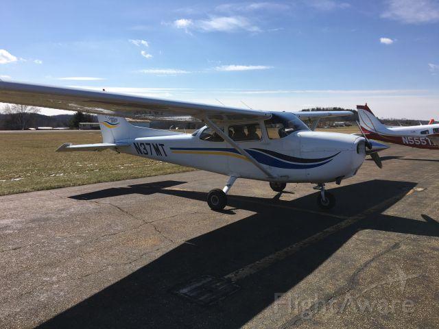 Cessna Skyhawk (N37MT)