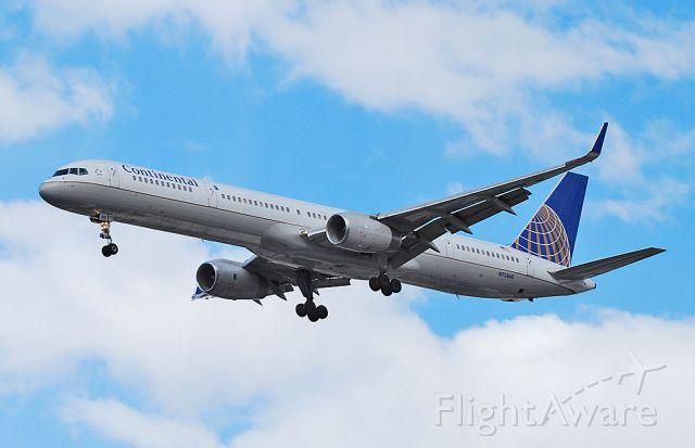 BOEING 757-300 (N73860) - Continental Airlines Boeing 757-33N N73860 (cn 32584/972)  Las Vegas - McCarran International (LAS / KLAS) USA - Nevada, 1-7-2011 Photo: Tomas Del Coro