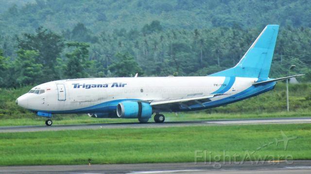 BOEING 737-300 (PK-YSN)