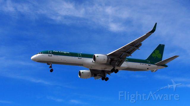 Boeing 757-200 (EI-LBT) - EI129 at 16.15 April 14, 2015